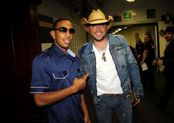 2011 CMT Music Awards - Audience And Backstage