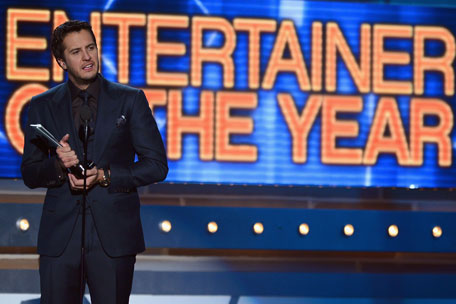 acm-awards-entertainer-of-the-year-luke-bryan